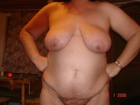 poilue nue escort vendee